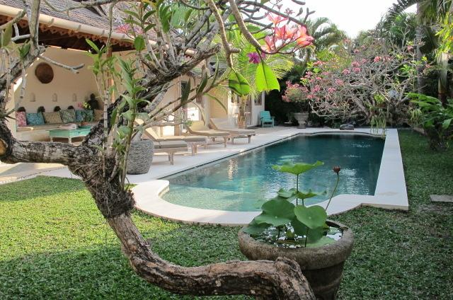 Pool. lounge and garden - Lovely traditional 2-3 bedr Villa Aisis in Seminyk - Seminyak - rentals