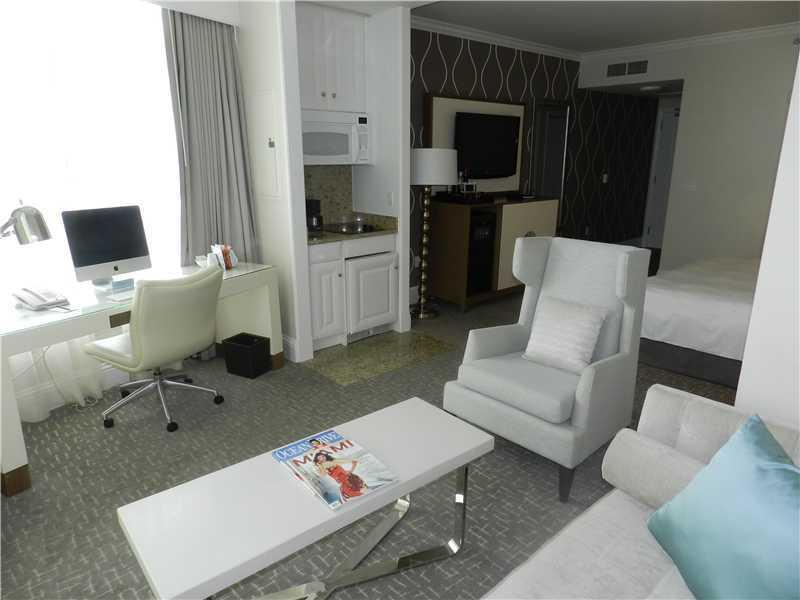 Fontainebleau Tresor Suite Free Parking & Spa Pass - Image 1 - Miami Beach - rentals