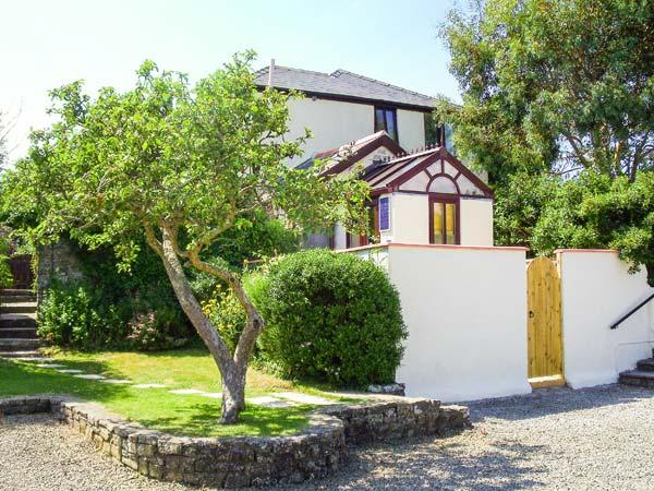 GROOM COTTAGE, WiFi, far-reaching views from upstairs bedroom, shared swimming pool, near Bude, Ref 923917 - Image 1 - Poughill - rentals