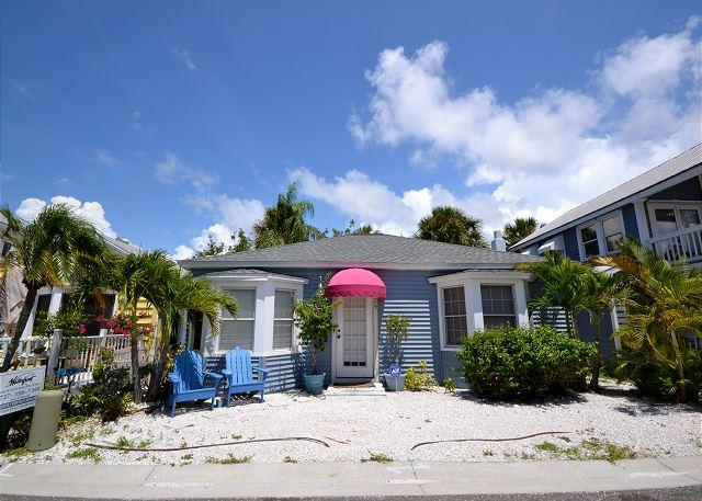 Shore Winds Cottage - True Old Florida Beach Living, Just Steps to the Gulf! - Image 1 - Redington Shores - rentals