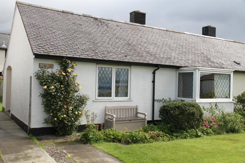 Dolphin View Cottage, Ardersier - Dolphin View Cottage between Nairn and Inverness - Ardersier - rentals