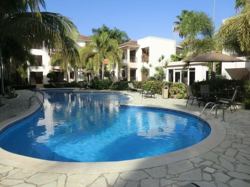 Gorgeous pool and luscious landscaped common areas - Rosa Hermosa 2BR penthouse RELAXATION! wow - Bavaro - rentals