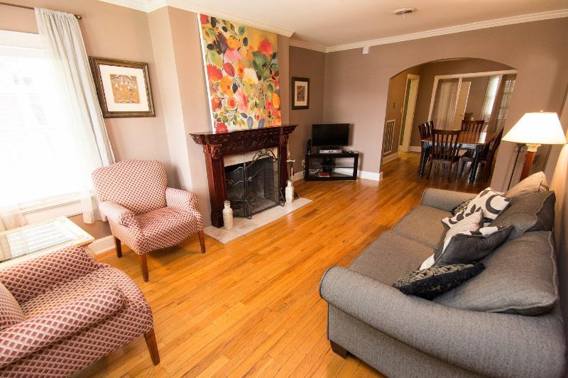 Living Room - Nashville TN, Music Row,Vanderbilt, Belmont - Nashville - rentals