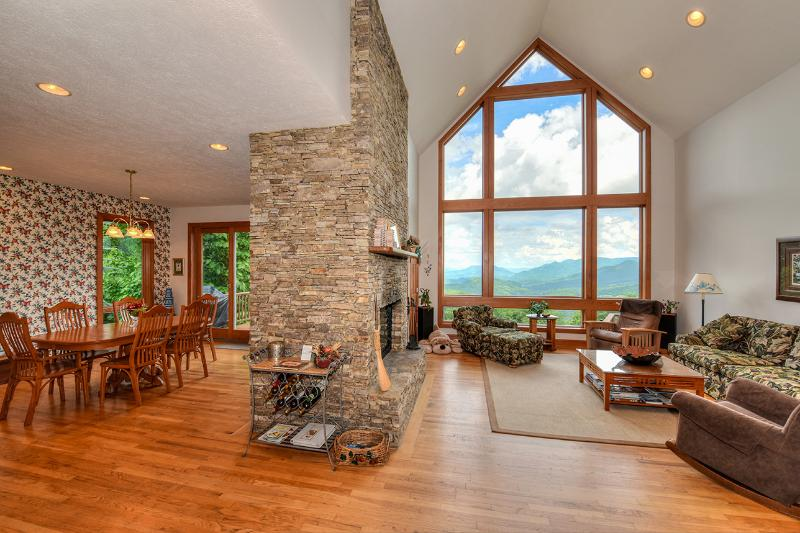Living room & dining room - Breathtaking Views & Easy Access at 4,000ft. - Waynesville - rentals