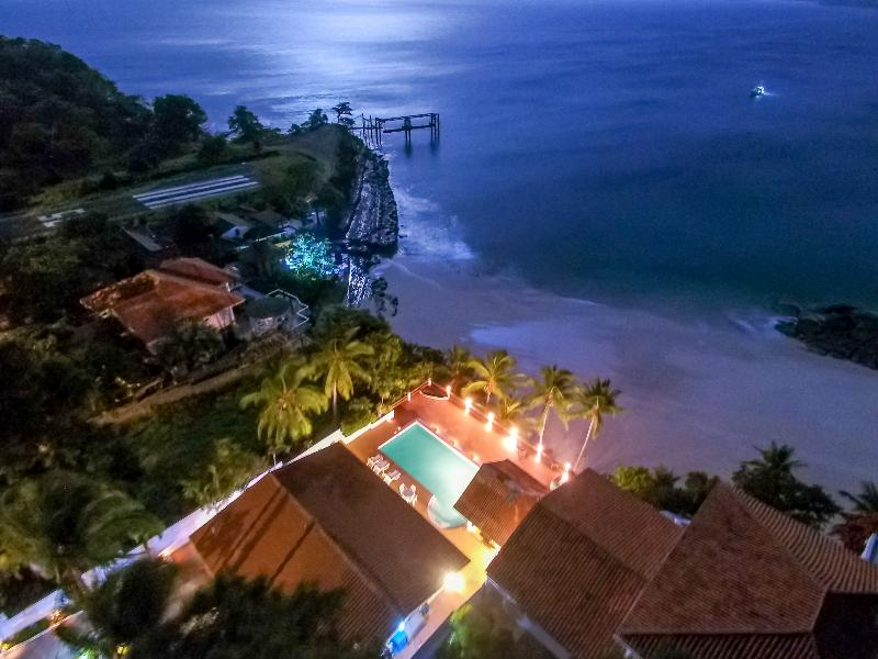 Midnight moon over the home of your next dream vacation. Let us take care of you - On the Beach-Private Pool-Specatular View - Contadora Island - rentals