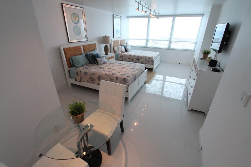 Ocean View Studio 622 - Image 1 - Miami Beach - rentals