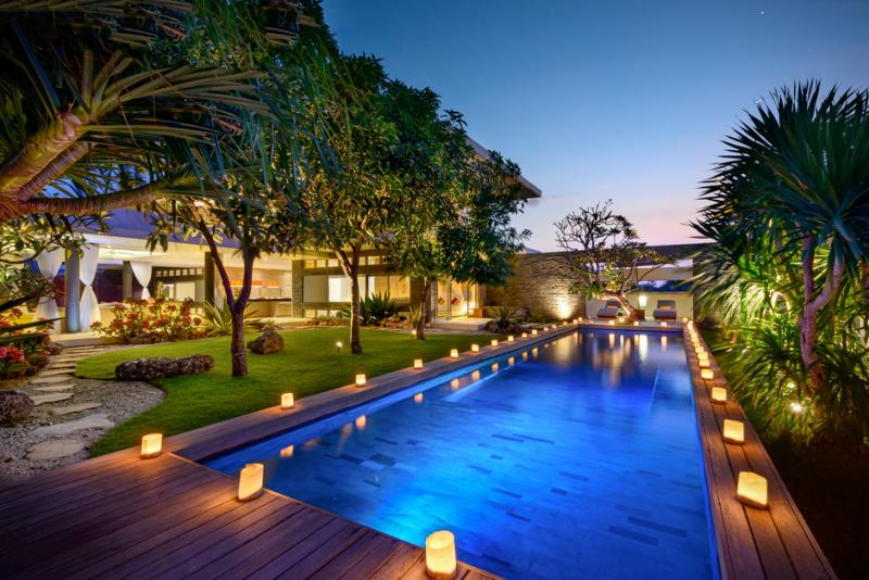 Aurora Villa offers a spacious pool and outdoor area connecting directly to the indoor living space. - Beautiful LUX Villa Balangan Beach - Bali - rentals