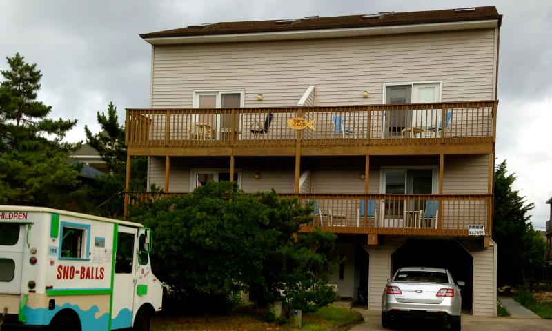 The front of the duplex. Rental is on the right. Steps away from Matts Fish Camp! - 4 Bdrm- 50 Steps From the Beach - sleeps 10 - Bethany Beach - rentals