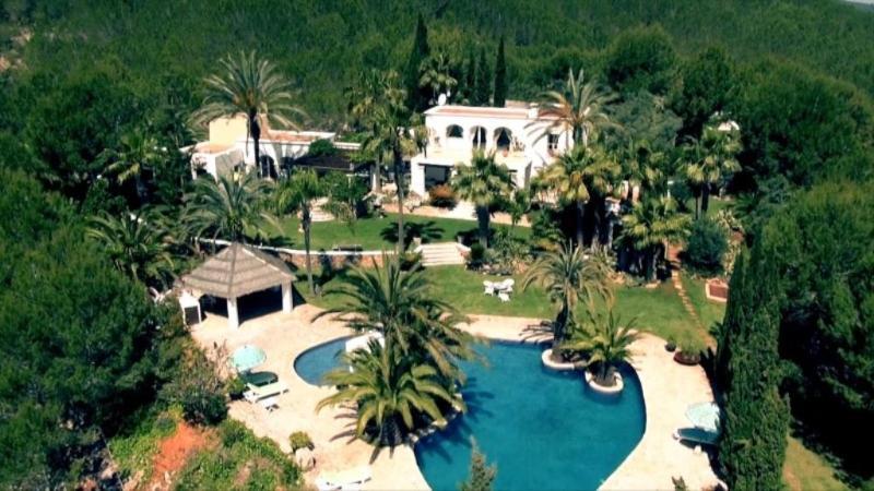 5 bedroom Villa in Santa Eulària Des Riu, Ibiza : ref 2268554 - Image 1 - Es Codolar - rentals
