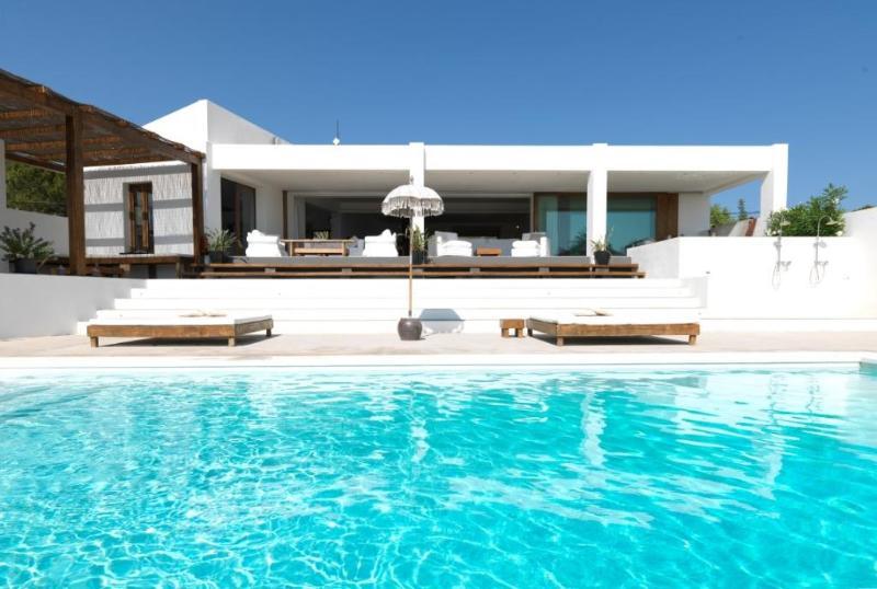 5 bedroom Villa in Santa Eulària Des Riu, Ibiza : ref 2268564 - Image 1 - Talamanca - rentals