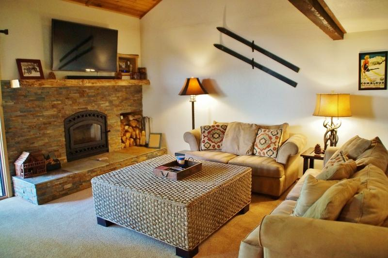 Pinecone Lodge - Comfortable Luxury for the Whole Family in Convenient Snowcreek I - Listing #348 - Image 1 - Mammoth Lakes - rentals