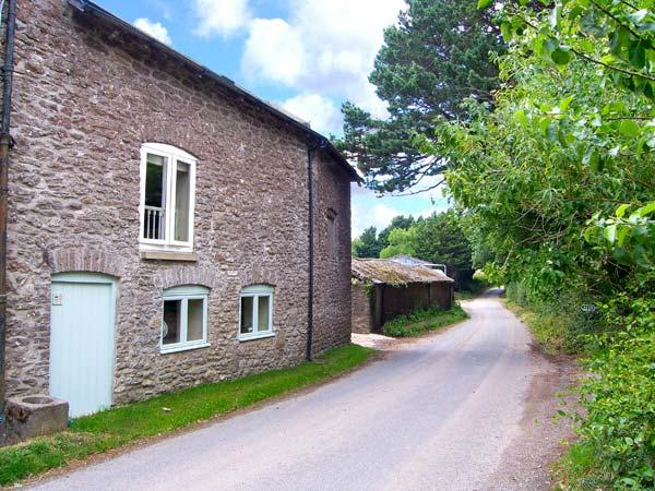 THE OLD SCHOOL ROOM, pet-friendly Grade II listed cottage, working farm, rural retreat, Beaminster Ref 927196 - Image 1 - East Chelborough - rentals