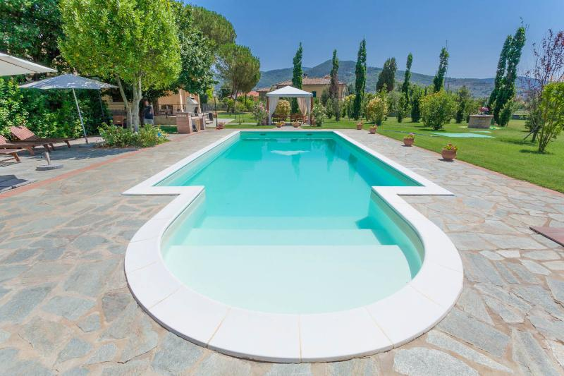 Exceptional,  Luxury Tuscan Vacation Home. - Image 1 - Castiglion Fiorentino - rentals
