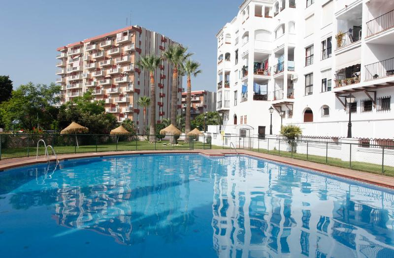 The Apartment Building on the foregound (white) from the pool area - Beautiful sunshine Appt with everything you need - Benalmadena - rentals