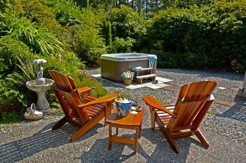 Surf Shack Cabin by the Beach with a private hot tub backyard its the perfect place to call home. - Surf Shack Cabin by the Beach with Private Hot Tub - Tofino - rentals