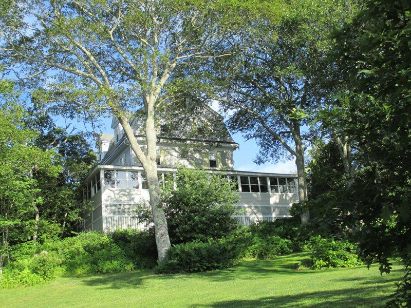 This house is perfect for 2 - 16 people, depending on how much space you want - CAPTAIN`S QUARTERS ON LINEKIN BAY | EAST BOOTHBAY | LINEKIN BAY | DOCK & FLOAT | BEAUTIFUL CAPTAIN'S HOUSE | OCEAN FRONT WITH VIEWS & ACCESS - Boothbay - rentals
