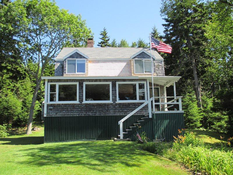 THANKFULNEST | EAST BOOTHBAY, MAINE | OCEAN POINT | GRIMES COVE | BEACH & BOAT - Image 1 - Boothbay - rentals