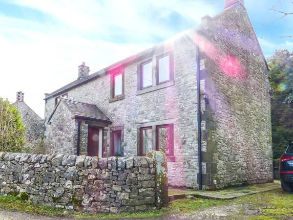 THE SHIRES, stone-built, detached, parking, lawned garden, in Alstonefield, Ref 923807 - Image 1 - Alstonefield - rentals