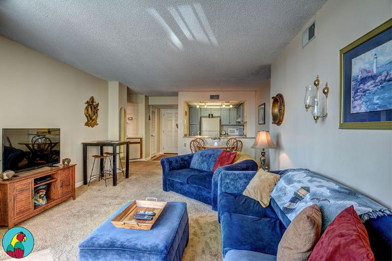 Living Room - St. Regis 2112 Oceanfront! | Indoor Pool, Outdoor Pool, Hot Tub, Tennis Courts, Playground - North Topsail Beach - rentals
