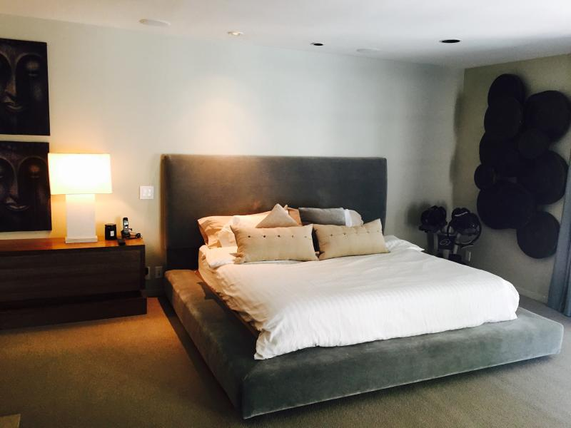 - Hutton Place - Beverly Hills - rentals