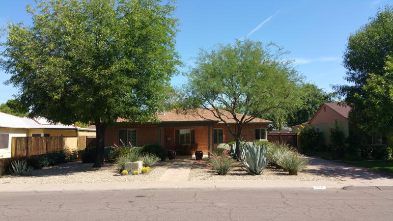 Front of the house..Welcome to my home... - Executive Home at Central/Camelback - Phoenix - rentals
