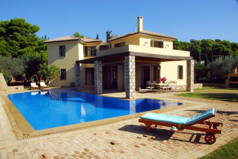 Porto Heli  Family Villa with large pool  & lovely garden near seaside accom - Image 1 - Kosta - rentals