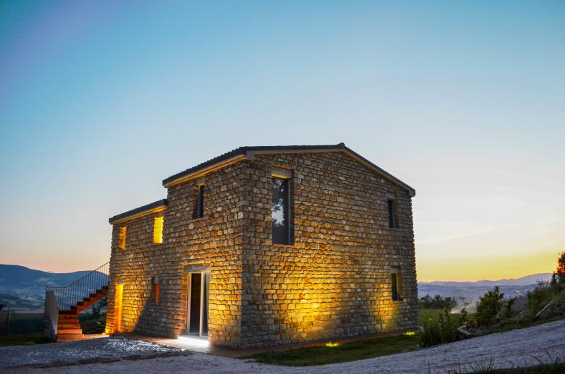 Villa Tranquillo - Image 1 - Monte Carotto (an) - rentals