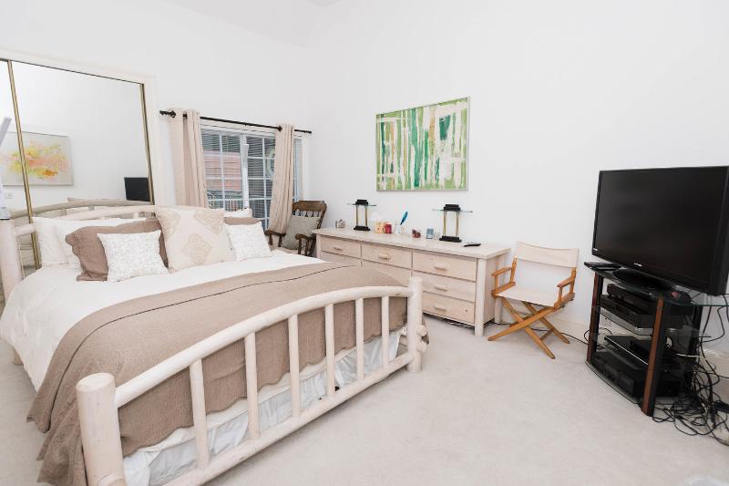 The Master Bedroom - Large Light and airy Marina Condo - Marina del Rey - rentals