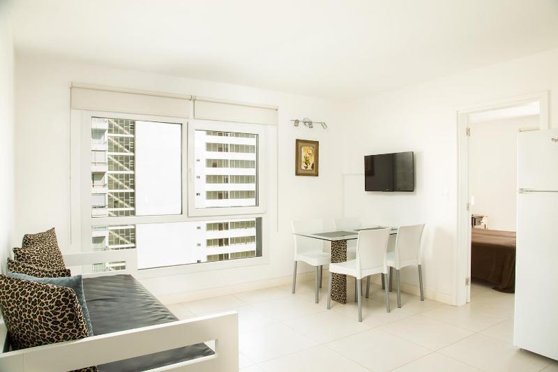 Contemporary 1 Bedroom Apartment in La Punta - Image 1 - Punta del Este - rentals
