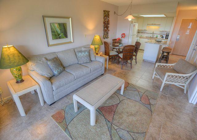 FALL SPECIALS! Top Floor One-Bedroom Condo with an Ocean View! - Image 1 - Kihei - rentals