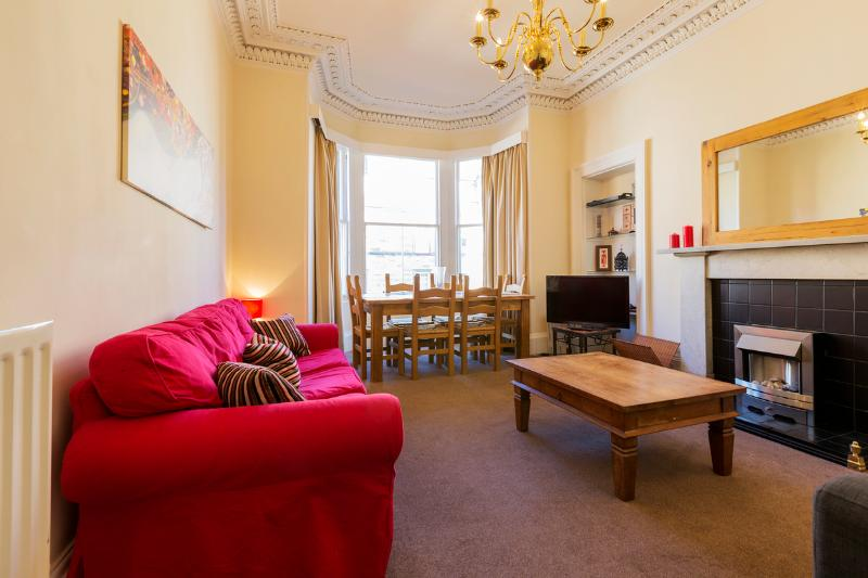 Lounge  - 2(2f1) St Peters Place - Edinburgh - rentals