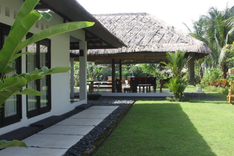 Villa Carpe Diem - Image 1 - Batu Layar - rentals