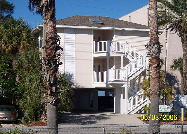 Islands Sands Complex - Pristine 3 Bedroom Condo - Steps to the Beach booking summer vacations! - Indian Rocks Beach - rentals