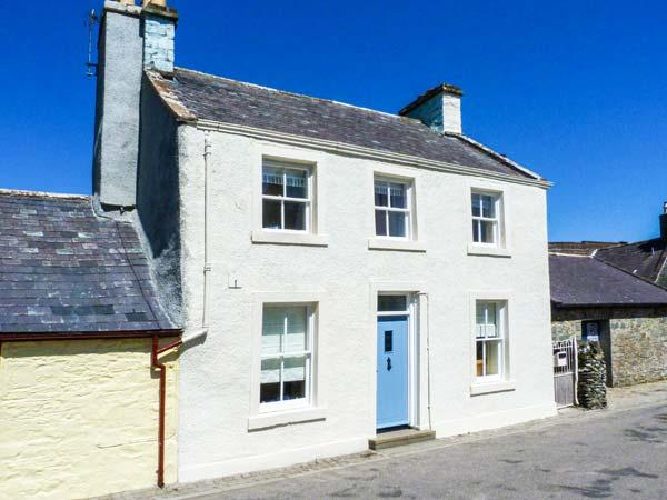 PRIORY WALK, semi-detached, WiFi, woodburner, near Priory in Whithorn, Ref 918354 - Image 1 - Isle Of Whithorn - rentals