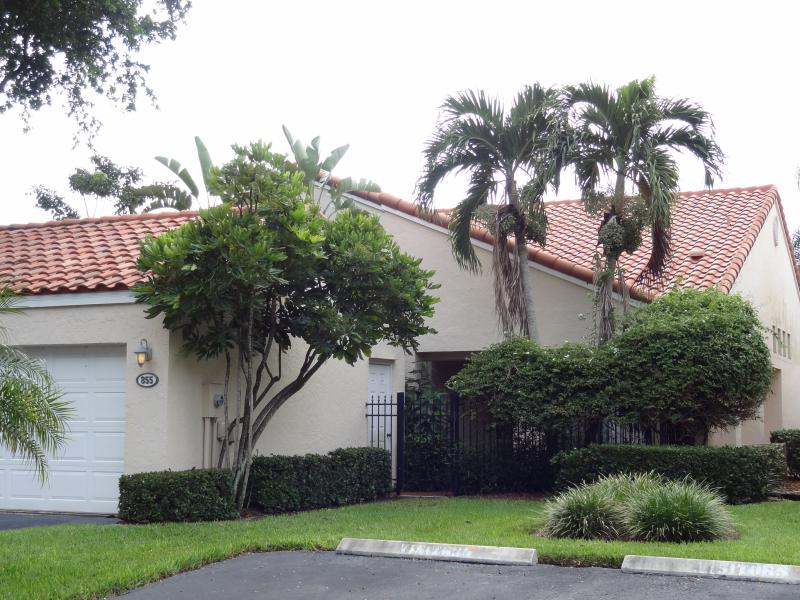 exterior view - Vanderbilt Beach Villa at Beachwalk - Naples - rentals