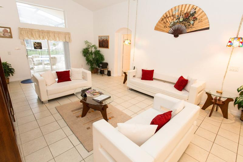 Living Room - Lovely 5BR Pool/Spa Home, 3 Miles To Disney - Kissimmee - rentals