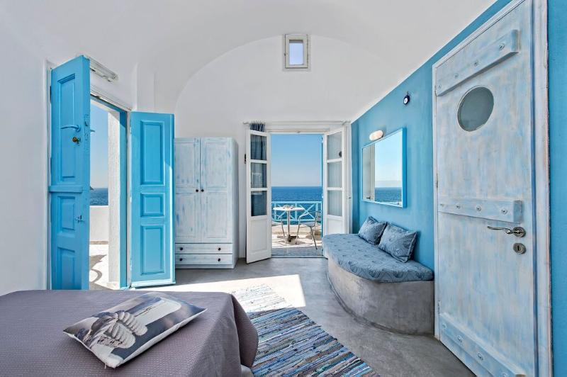 Santorini- Gv - Sky Blue Sutdio on the beachfront - Image 1 - Santorini - rentals