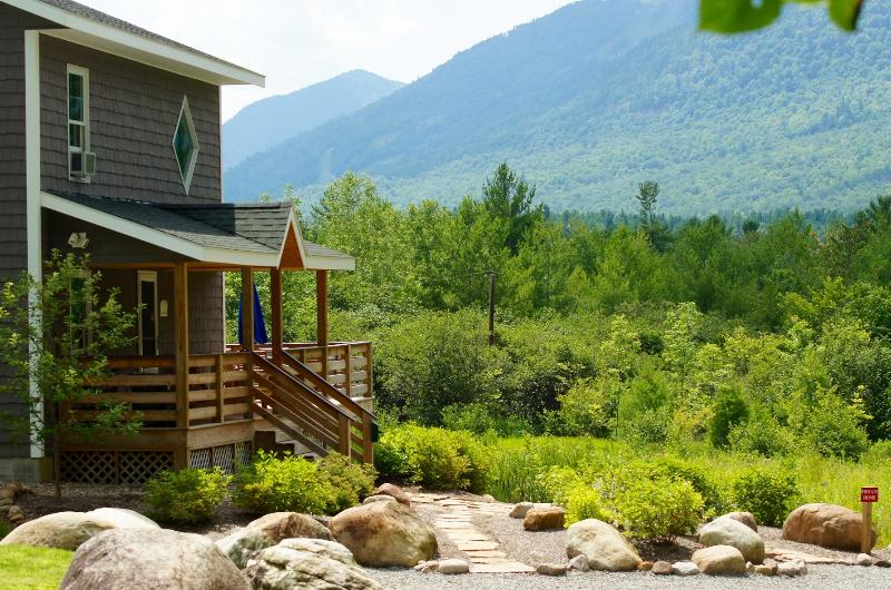 Beautiful home with stunning views - Lookout Mountain Chalet - Wilmington - rentals