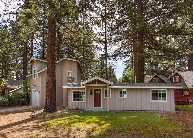 South Shore Exterior - Darling upgraded cozy cottage in a quiet neighborhood, close to everything! - South Lake Tahoe - rentals