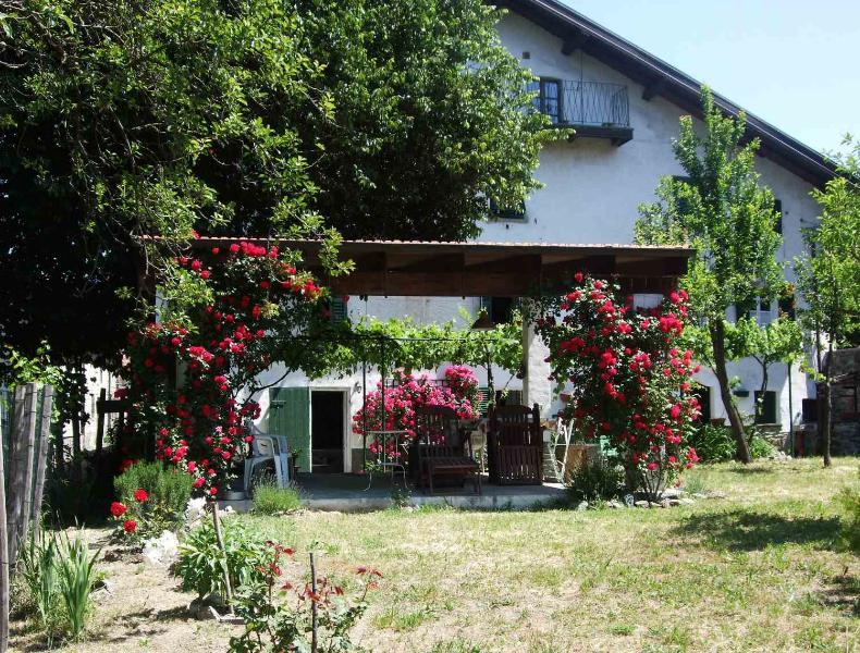 House and garden - Casa di Alfredo B&B Mioglia - Liguria - rentals
