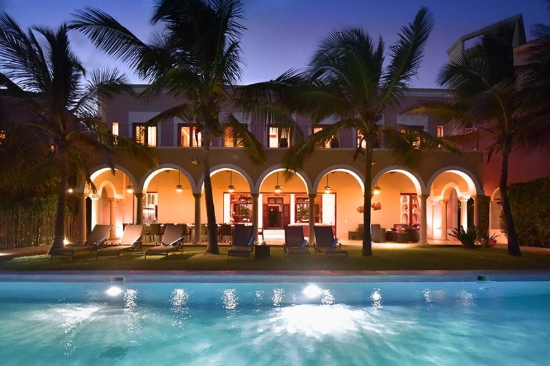 Hacienda Del Mar Villa Exterior Beachside Swimming Pool at Night - Hacienda Del Mar,Puerto Aventuras Beach 4-15 BR - Puerto Aventuras - rentals
