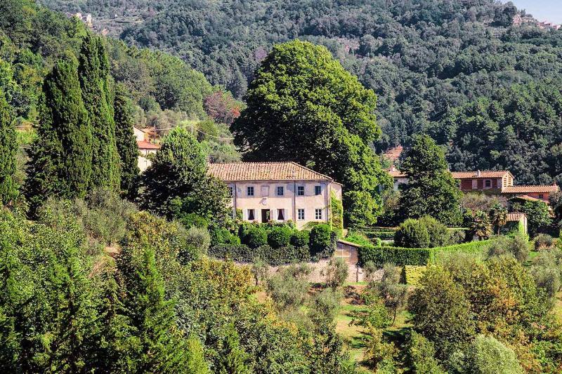 Villa Spada, Sleeps 10 - Image 1 - Migliano - rentals