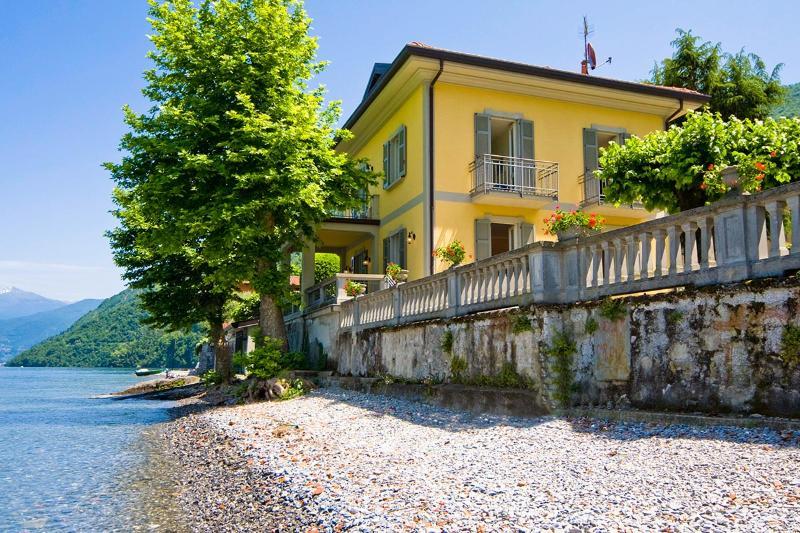 Villa Chicca, Sleeps 8 - Image 1 - Lezzeno - rentals
