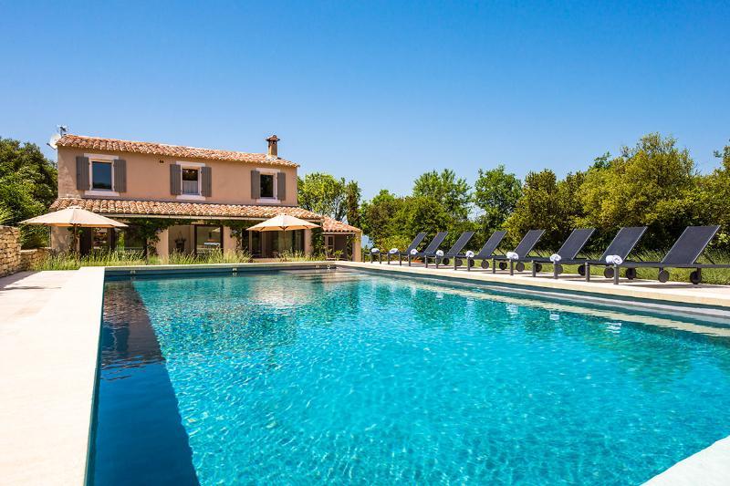 Villa Cachee, Sleeps 8 - Image 1 - Luberon - rentals