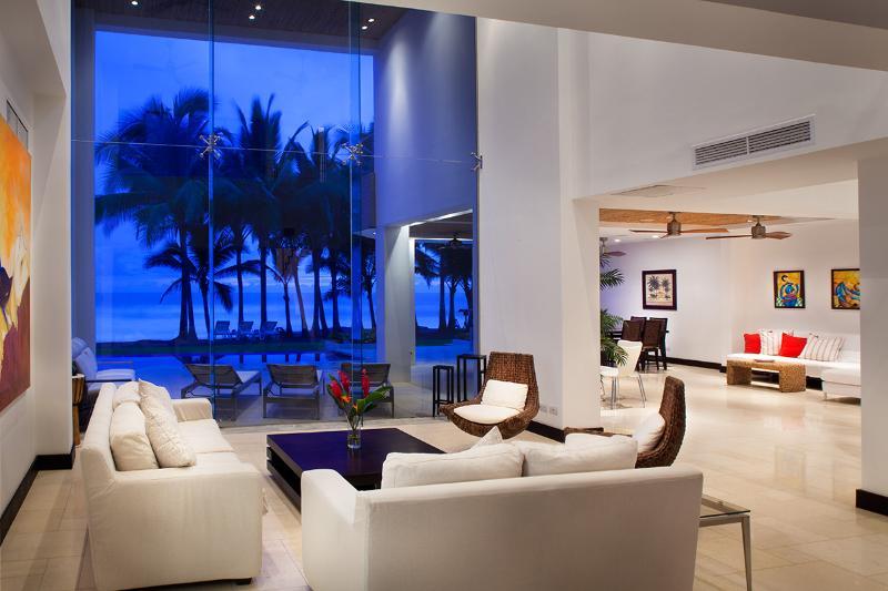Casa Del Mar, Sleeps 12 - Image 1 - Playa Hermosa - rentals