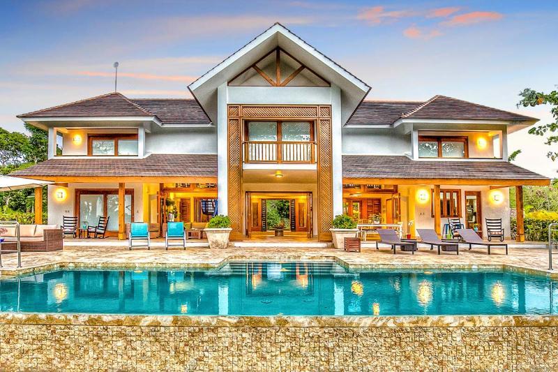 Hacienda 82, Sleeps 10 - Image 1 - Punta Cana - rentals