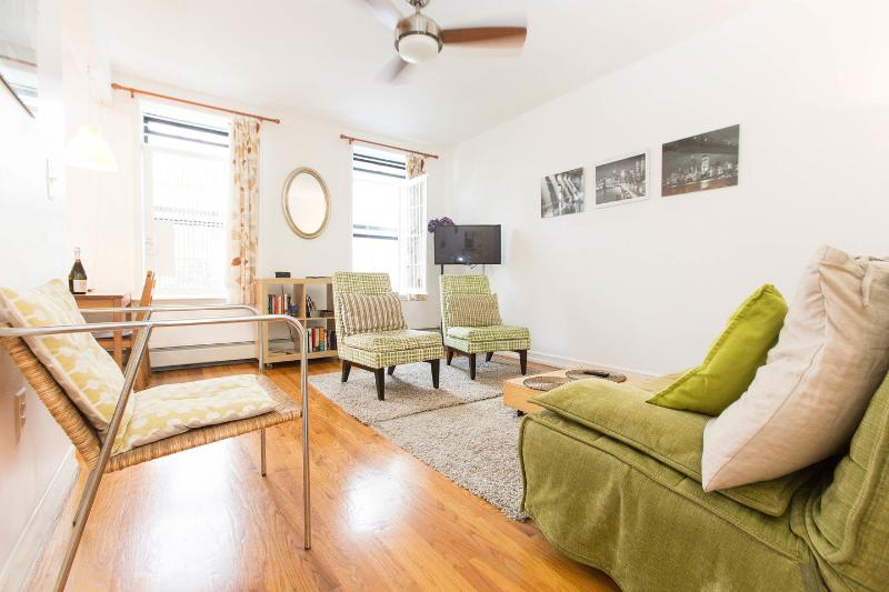 Bright and spacious living room - Deep discounts available for Your NYC Vacation! - Brooklyn - rentals