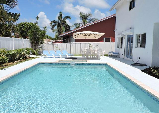 Large 4/2.5 for 12 Guests, Heated Pool, Near Beaches and Town, Very Private - Image 1 - Dania Beach - rentals