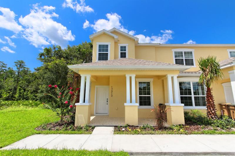 Front of Home - 3 Bed 3 Bath Pool Home + Clubhouse (17313-SEREN) - Clermont - rentals