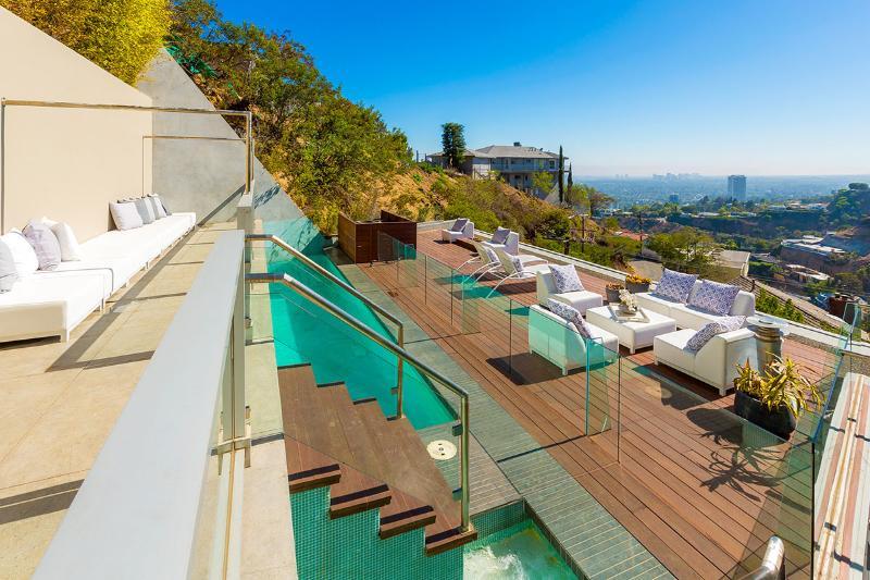 Archie's Estate, Sleeps 6 - Image 1 - West Hollywood - rentals